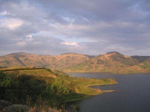Rwanda-view2